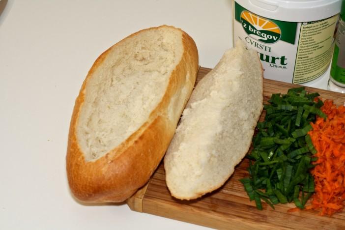 Punjeni kruh s jajima