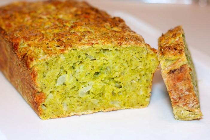 Kruh od brokule sira i luka 4