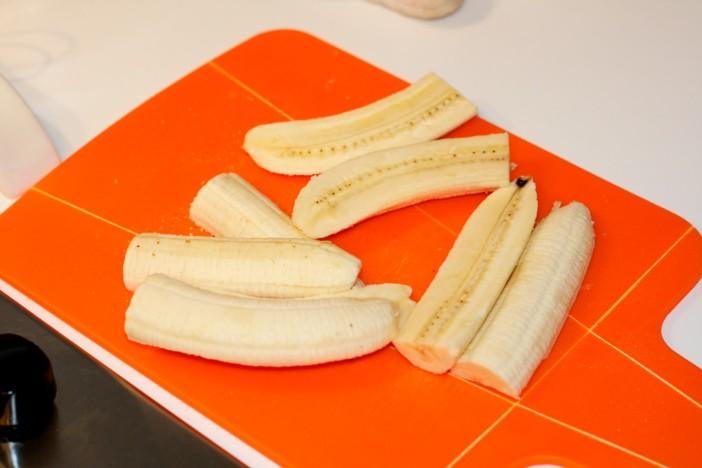 Pržene banane na maslacu prelivene s otopljenom cokoladom i kikirikijem 2