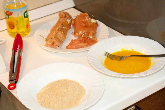 Punjena pileća prsta s Pestom svjezim sirom i cherry rajcicama 5