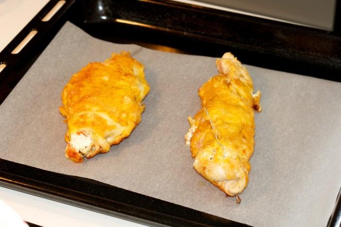 Punjena pileća prsta s Pestom svjezim sirom i cherry rajcicama 7