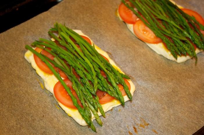 Šparoge na lisnatom tijestu s rajčicom 5