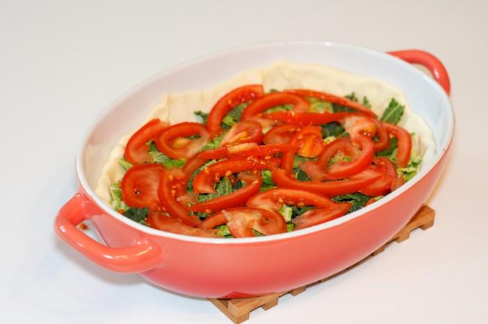 Pesto piletina s keljom rajčicom i lisnatim tijestom 3