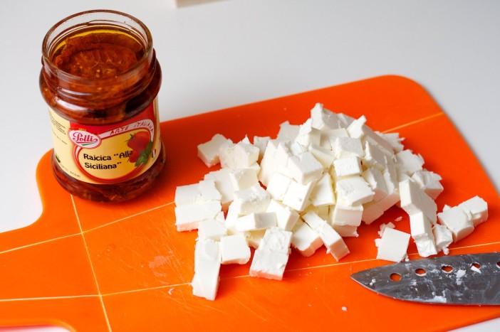 Pogaca s feta sirom, susenom rajcicom i spinatom 2