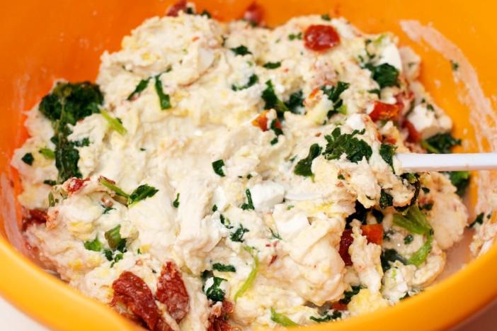 Pogaca s feta sirom, susenom rajcicom i spinatom 5