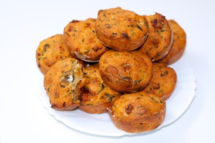 Pogaca s feta sirom, susenom rajcicom i spinatom 8