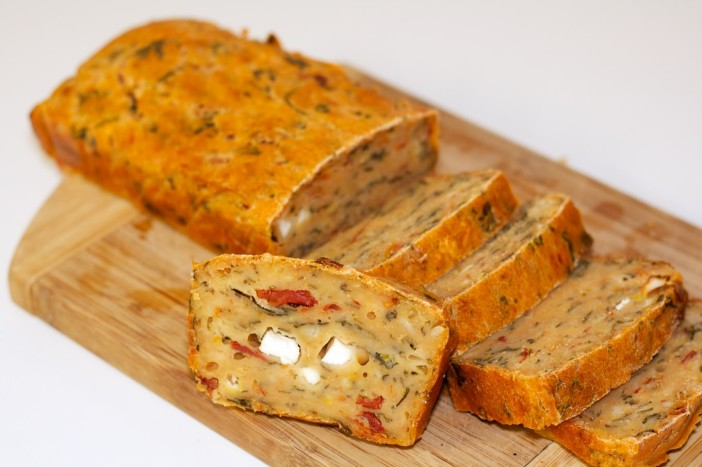 Pogaca s feta sirom, susenom rajcicom i spinatom 9