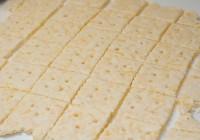 Domaći krekeri od sira i samo 3 sastojka