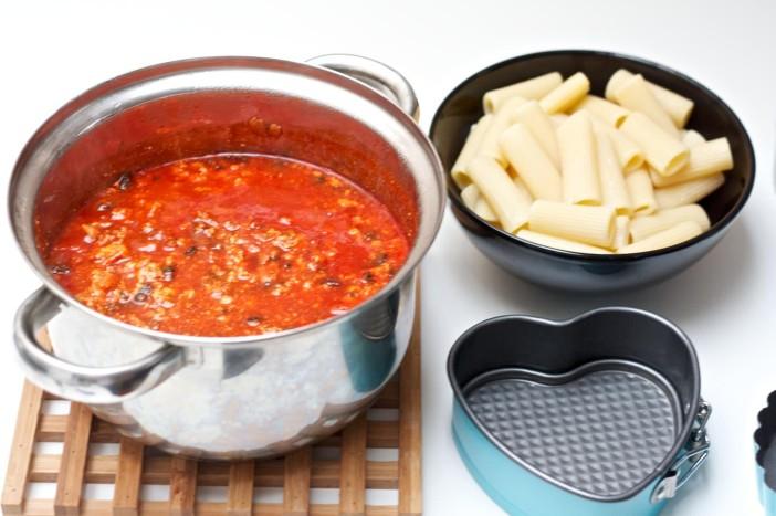 Zapecena tijestenina s mesnim raguom 4
