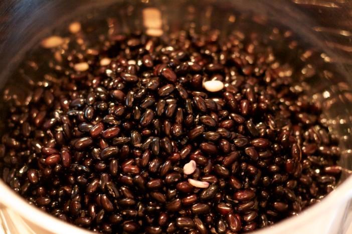 Najbolji domaći crni grah s kukuruzom pecenom paprikom batatom 1
