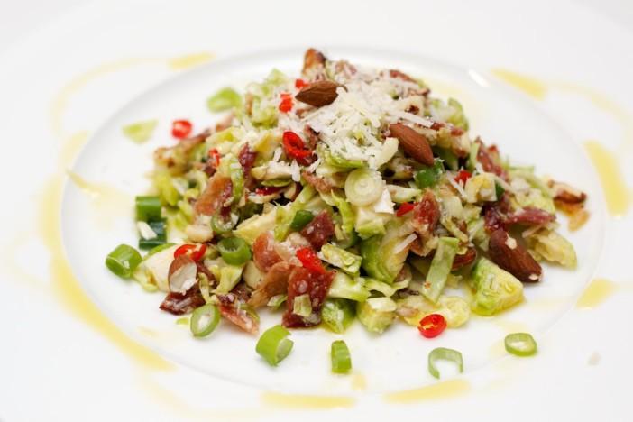 Prokulice na salatu sa špekom i ljutim dresingom od naranče i limuna 12