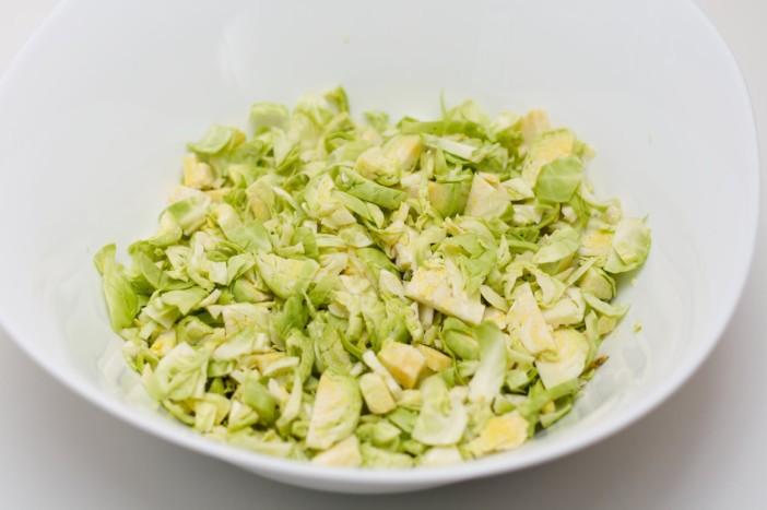 Prokulice na salatu sa špekom i ljutim dresingom od naranče i limuna 8