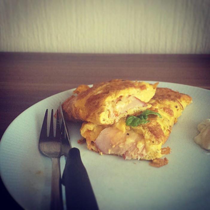omlet sa šunkom i sirom