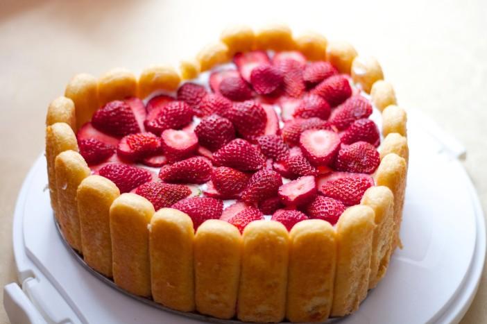 srce torta od piskota