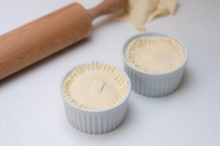 Pita punjena mortadelom špinatom sirom lukom i maslinama 11