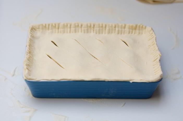 Pita punjena mortadelom špinatom sirom lukom i maslinama 8