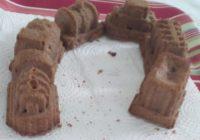čokoladni kolač od jagoda kao vlakić