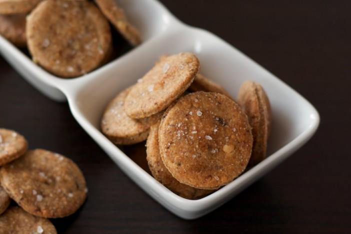 Integralni krekeri s pljesnivim sirom i sušenim vrganjom 8