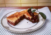 Brzi biskvit kolač s voćem i čokoladom