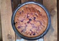 brzi kolač od višnji od 4 sastojka