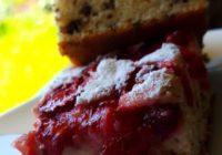 brzi kolač s jagodama i čokoladom