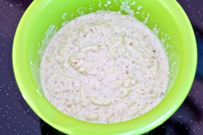 Hladna jogurt juha s krastavcima mljevenim orasima i maslinovim uljem 5