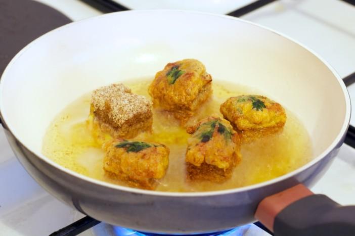 Tajlandski tost s mljevenom svinjetinom i susenim marelicama 8