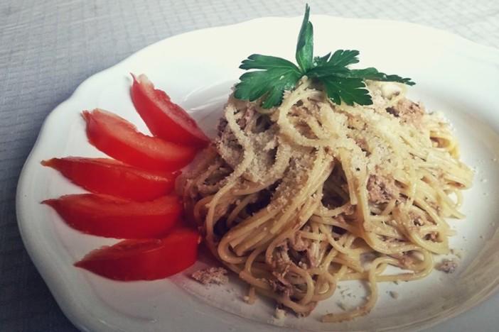 špageti sa sardinama i orasima