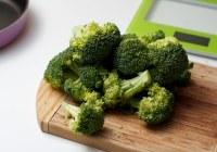 integralna pita punjena s brokulom i kuhanim jajima