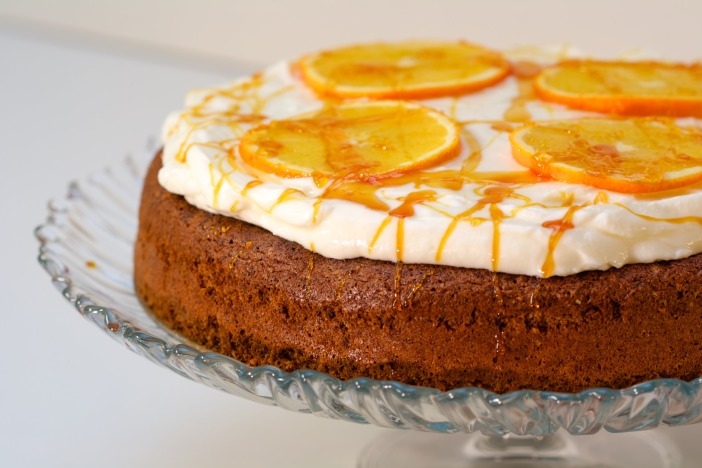 Bozicna biskvit torta od oraha i narance Darkova web kuharica 12