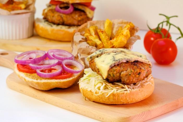 Mesna pljeskavica s jabukama u hamburgeru s plemenitim sirom darkova web kuharica 12