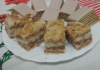 kolač od jabuka i griza i margarina