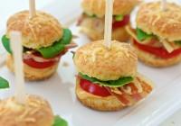 mini hamburgeri od sirnih krekera i pržene slanine