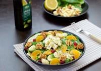 zimska salata od špinata jabuka oraha i sira