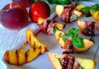 nektarine omotane pršutom za roštilj
