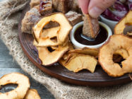sušeni čips od jabuke s bučinim uljem