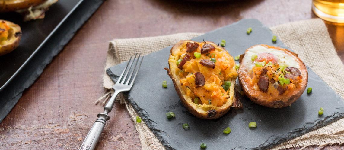 punjene kore krumpira s ćebasom sirom i jajima