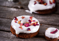 Američke krafne donuts s krem sir glazurom za Valentinovo Darkova Web Kuharica