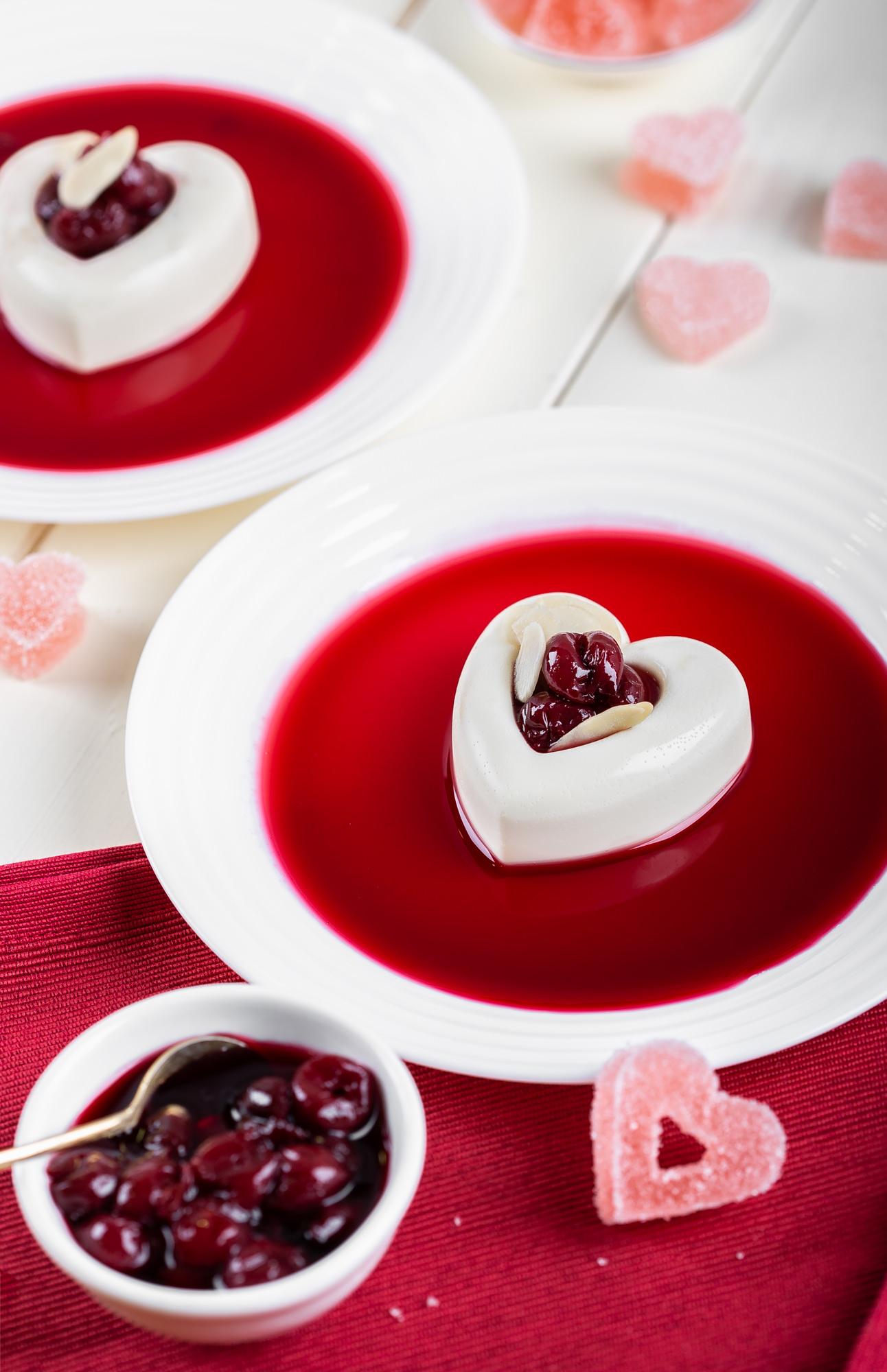 Panna Cotta s bademovim mlijekom i bijelom čokoladom Darkova Web Kuharica Recept za Valentinovo Desert