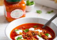 Ljuta ajvar juha s mljevenim mesom