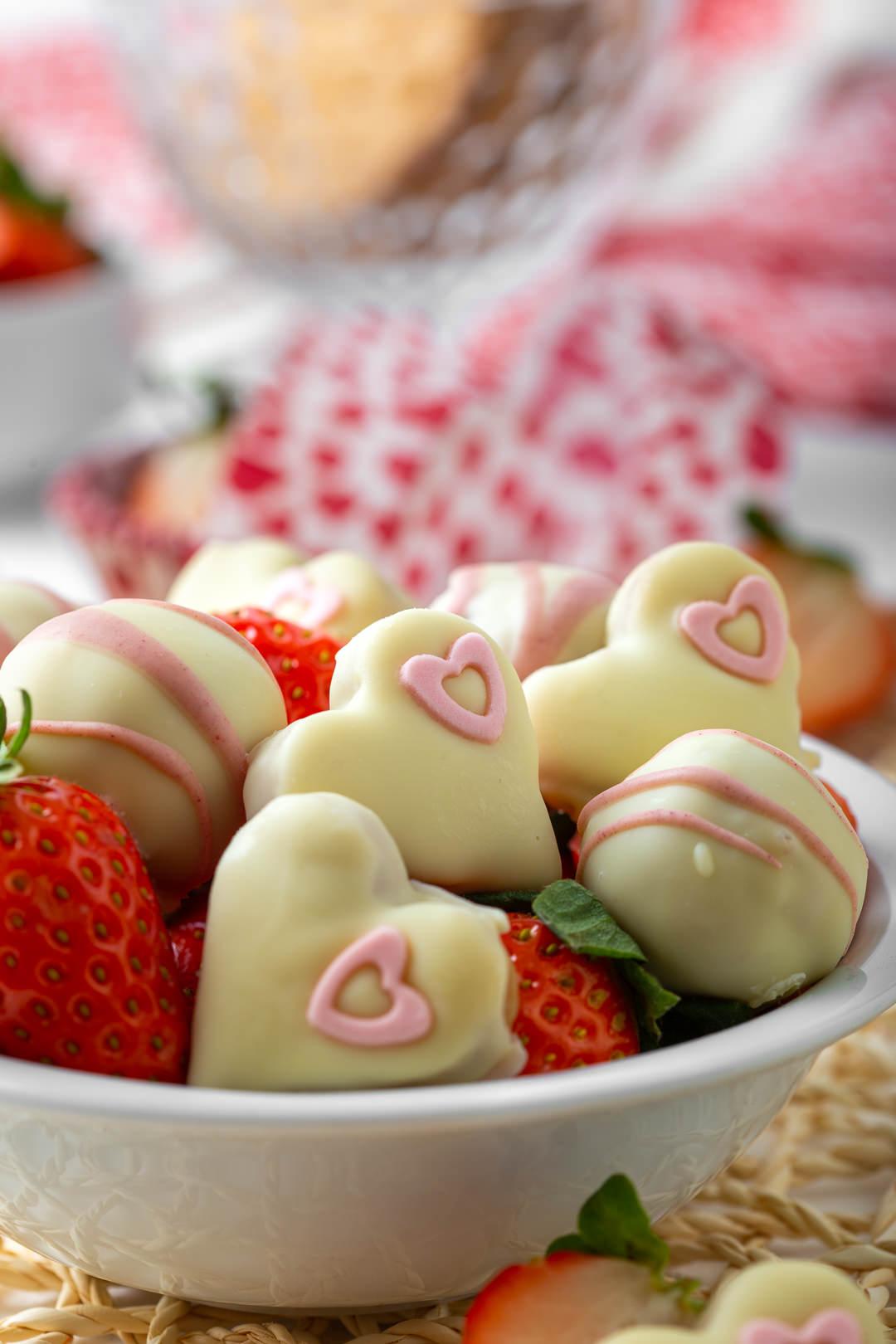 Tartufi s jagodama u obliku srca s bijelom čokoladom recept
