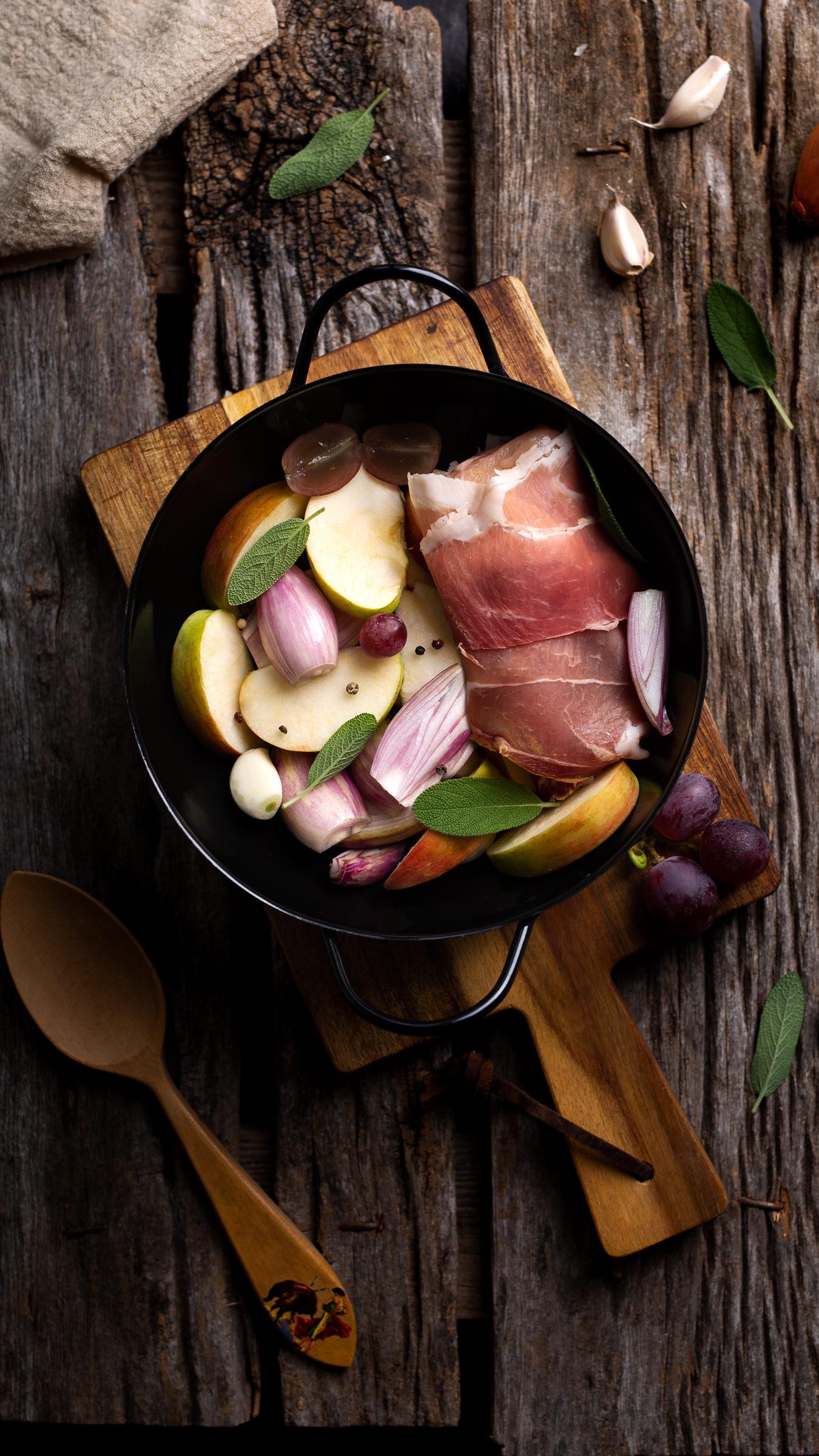 Punjena piletina pečena u jabučnom cideru s jabukama - međimursko pile darko kontin recept
