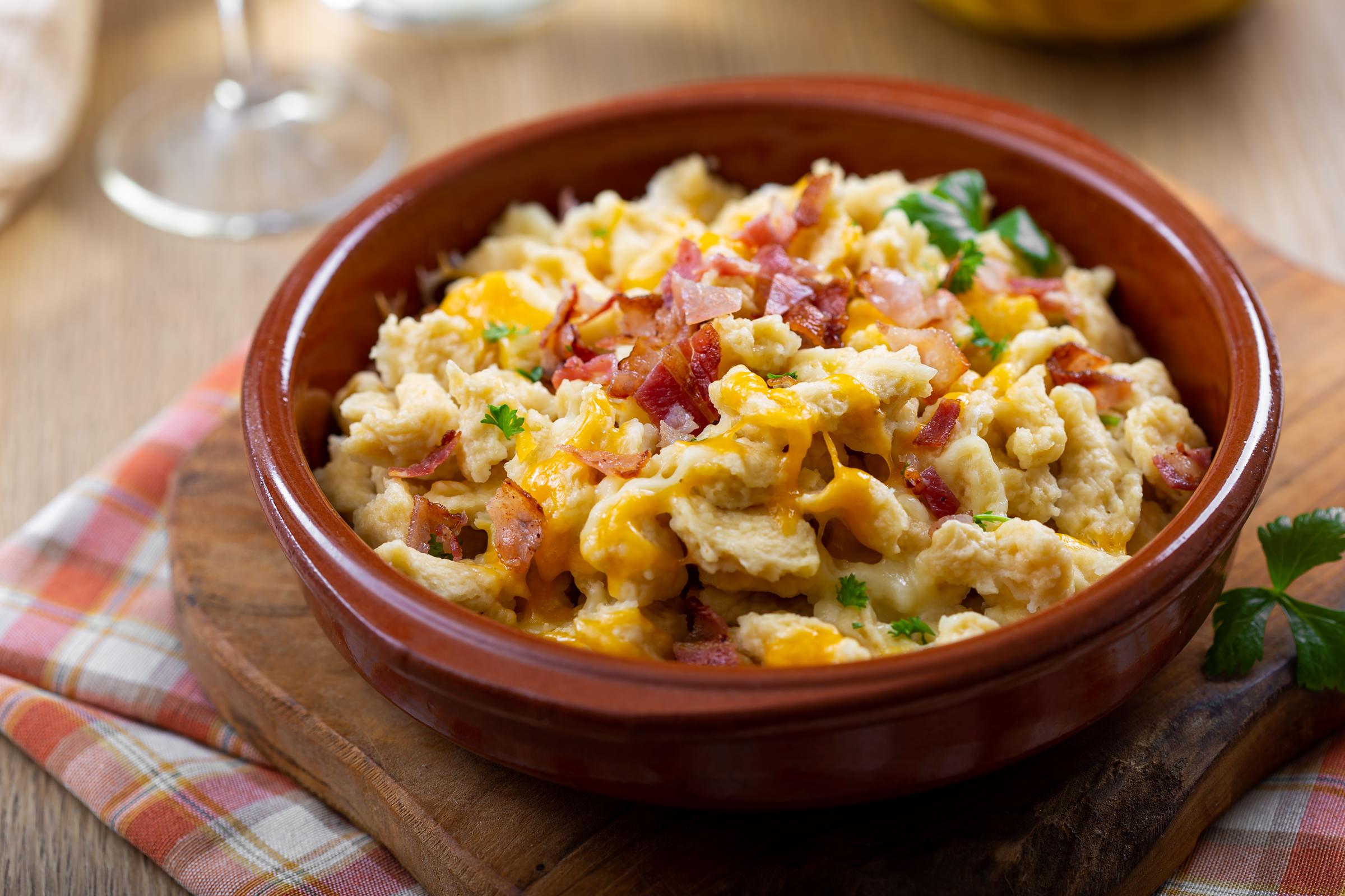 špecli Spätzle sa sirom i slaninom recept